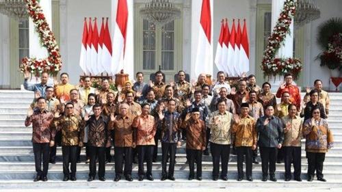 Aktivis 98 Desak Jokowi Reshuffle Menteri yang Doyan Pelesiran