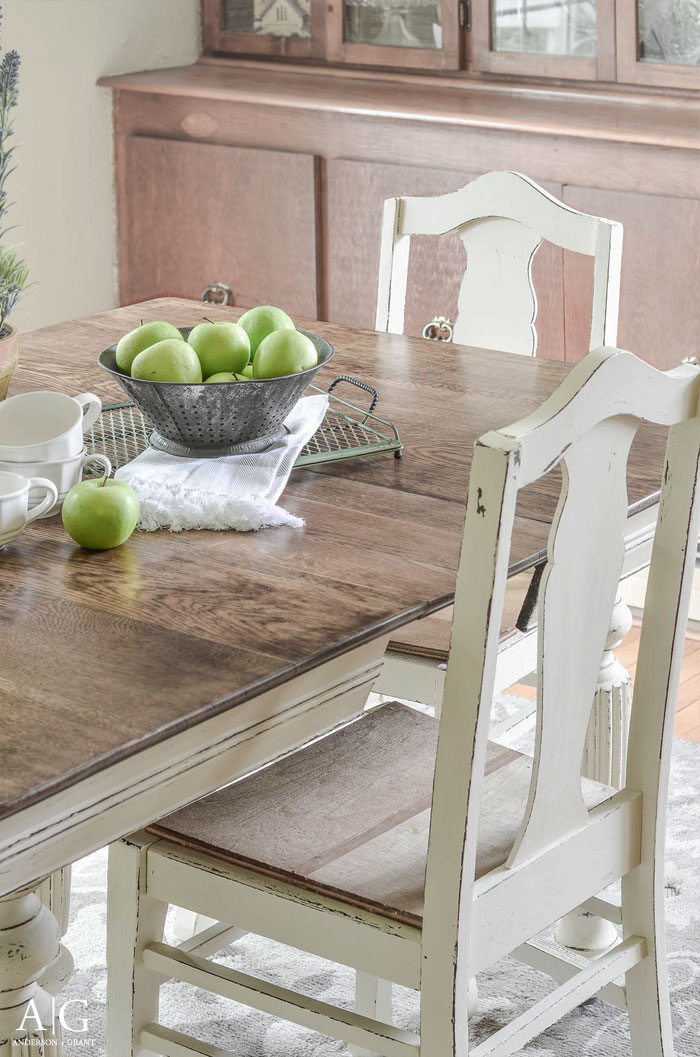 See How Grandmau0027s Antique Dining Table And Chairs Is Transformed And  Updated With Chalk Paint.