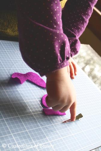 DIY Felt Bows | by CustodiansofBeauty.blogspot.com