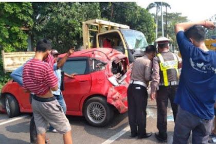 Kecelakaan Beruntun 6 Kendaraan Di Krian Sidoarjo Jalanan  Macet Total