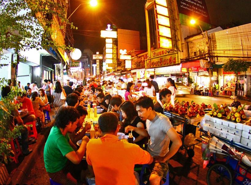 Tips Mencari Makan Hemat Saat Liburan Travelling