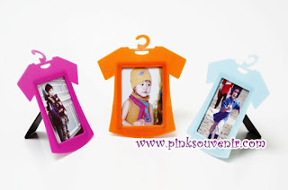Souvenir Frame Photo Baju