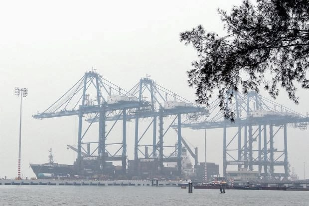 School Holiday for Students in Klang Due to Very Unhealthy API in Port Klang