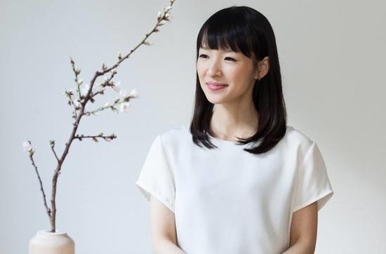 Memancarkan Sukacita | Marie Kondo - Penulis Asal Jepang