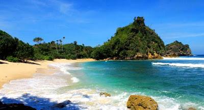 Pantai Ngopet Malang