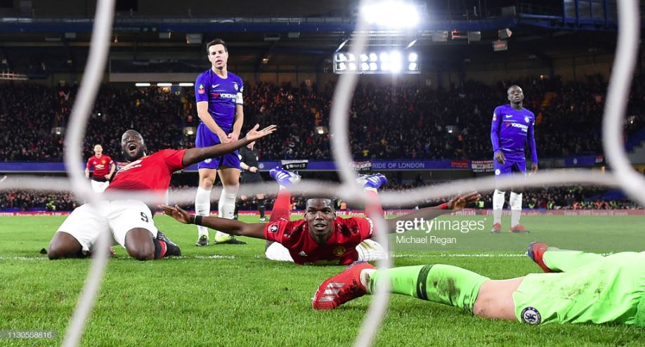 Chelsea - Manchester United 1: 2 Missed the trophy: Chelsea surrendered to Manchester United