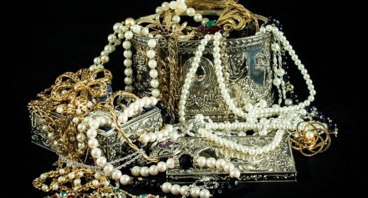 overflowing jewelry box.jpeg