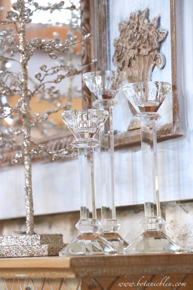 crystal-candlesticks-christmas-mantel