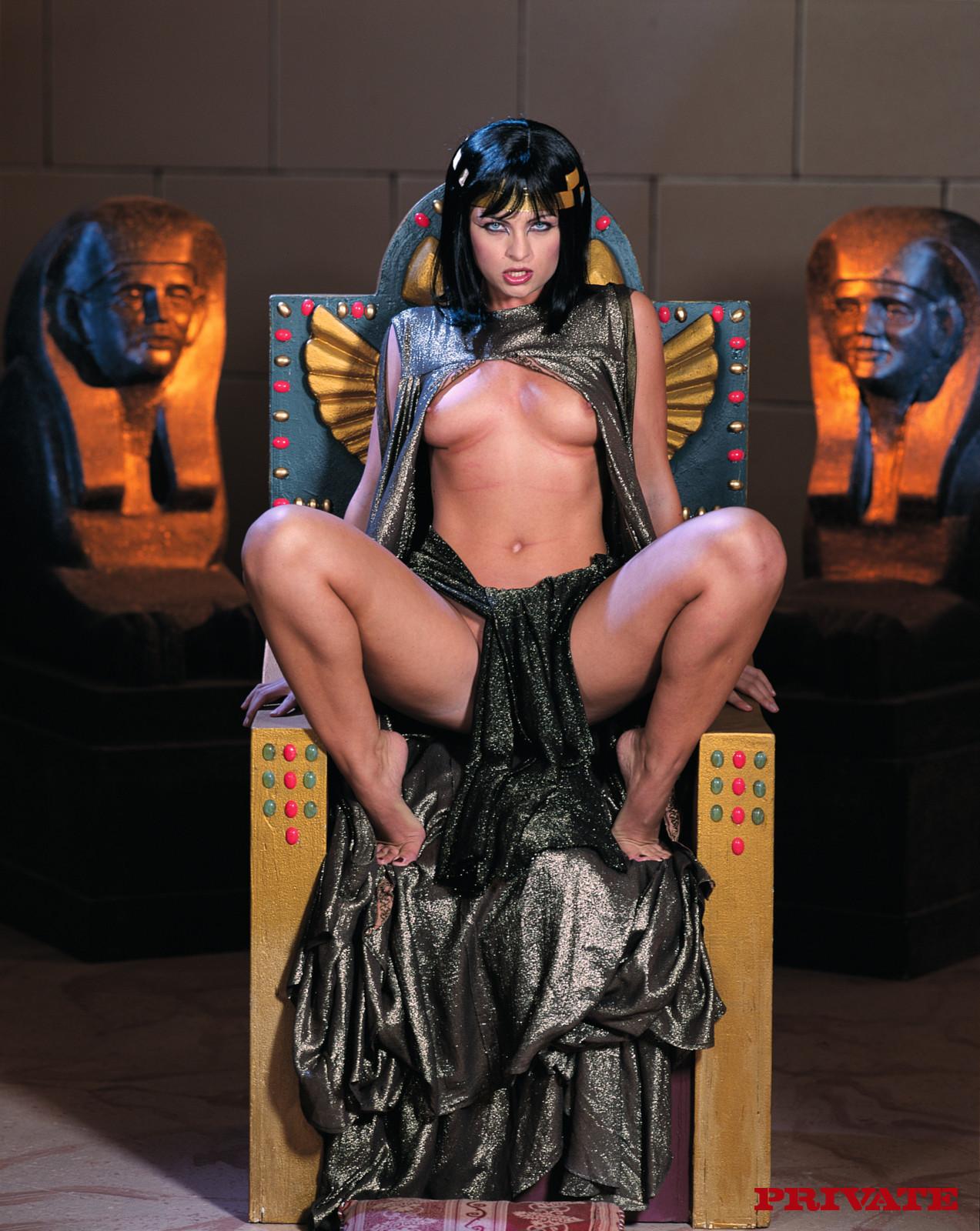 Cleopatra porno