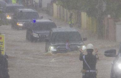 """Disambut Banjir saat ke Kalsel, Jokowi Tersadar, """"Lebih dari 50 Tahun Tidak Ada Banjir Seperti Ini"""""""