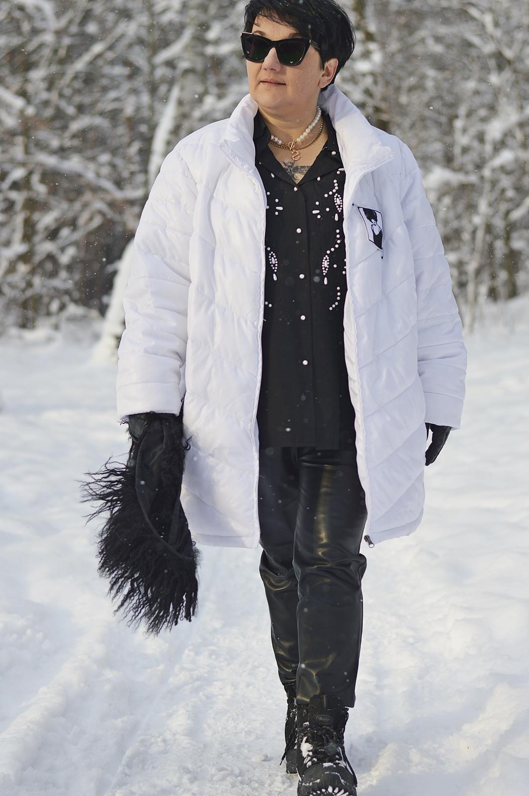 Biała kurtka na zimę
