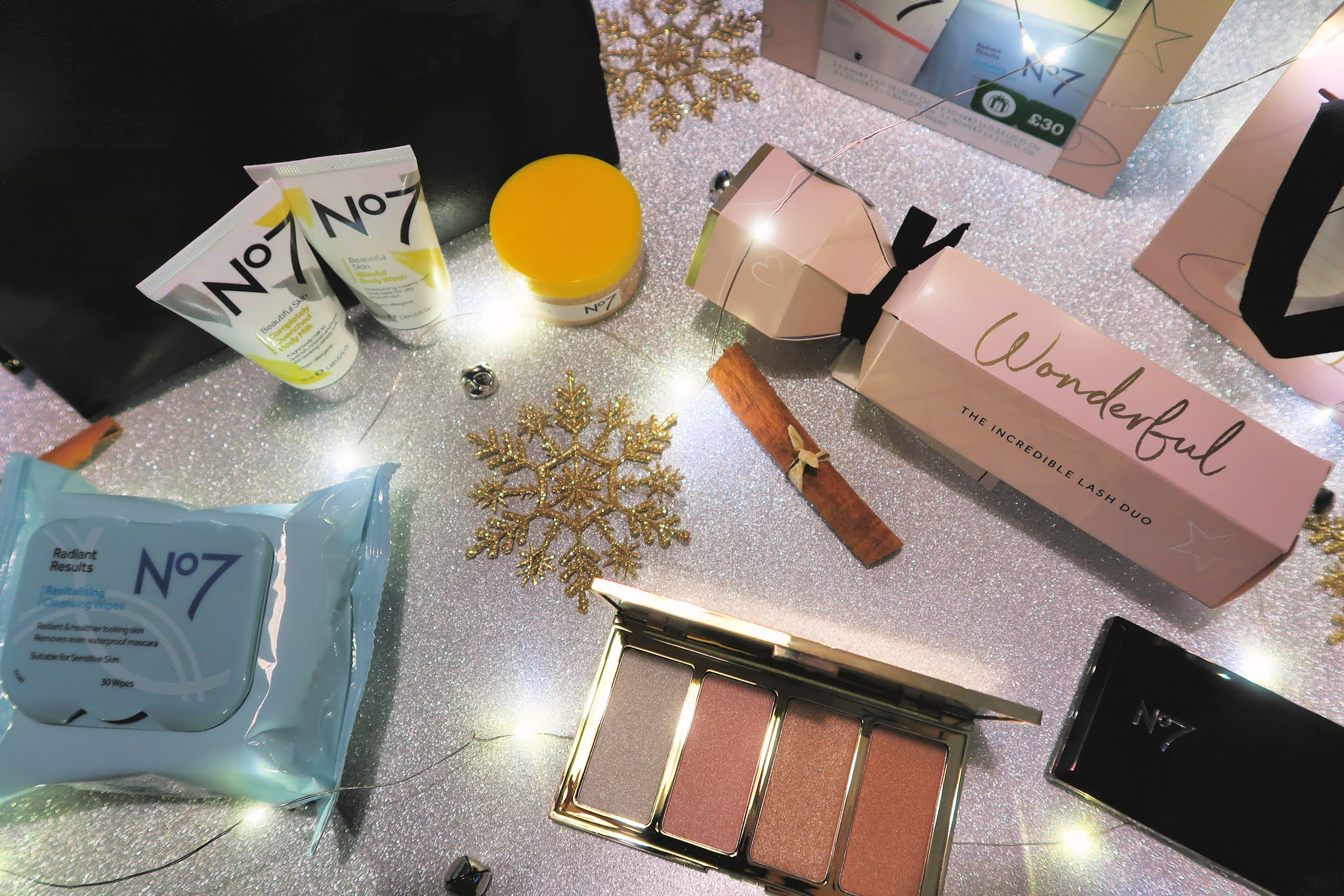 Danielle Levy, No7 Christmas, Christmas, beauty blogger, skincare blogger, Wirral blogger, Liverpool blogger,