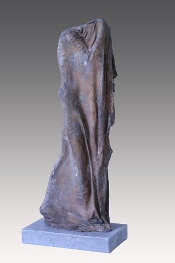 "Kieta Nuij - ""Job"" | imagenes de obras de arte contemporaneo tristes, esculturas bellas chidas | figurative art, sculptures | kunst"