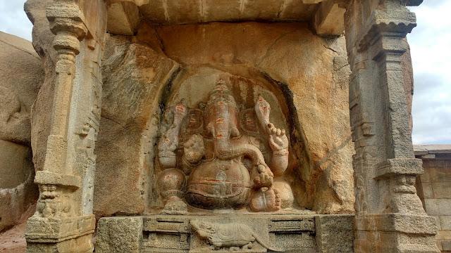 https://oneoftheroad.blogspot.com/2017/08/the-veerabhadra-swamy-temple-at-lepakshi.html
