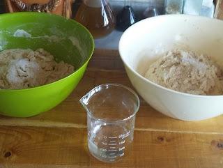 20160103 115845 1 - Baştan Sona;''Bir Ekmek Yapmak'' (Bu Kez Çavdar Unu Kullanarak)