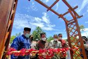 Bersama Bupati Wajo, Plt Gubernur Resmikan Miniatur Ka'bah di Kawasan Wisata Telaga Biru
