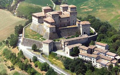Uno dei piu' bei castelli da visitare nella tua vacanza in Emilia Romagna