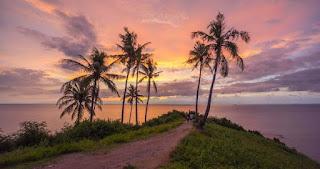 Menikmati Sunset Dan Pantai Di Tikungan Malimbu, Pamenang Lombok Utara