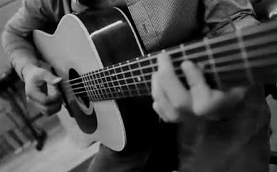 Học đàn guitar khó hay dễ