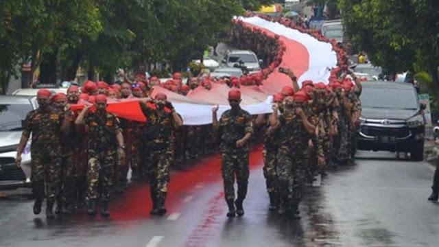 Parade 9.999 Ribu Banser, Ganjar Pranowo Kecolongan?