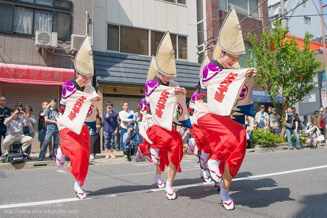 江戸っ子連、マロニエ祭り流し踊り中の演舞、女奴踊りの写真 その2