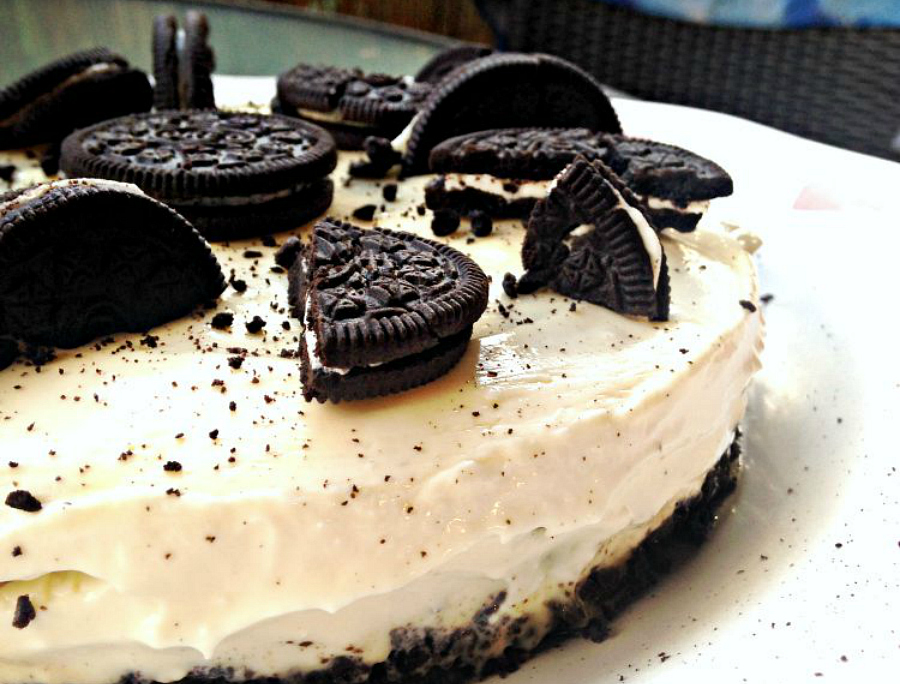 http://www.theblondeandbrowngirl.com/2015/09/cheesecake-aux-oreos.html