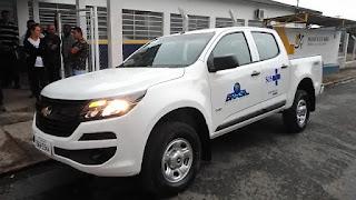 Prefeito Dean entrega dois novos veículos para a Secretaria Municipal de Saúde de Sete Barras