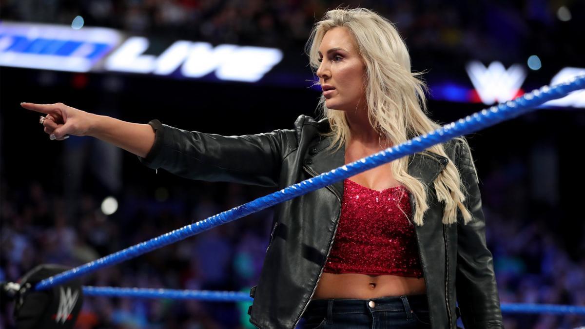 Trish Stratus diz que Charlotte Flair é a maior lutadora na história da WWE