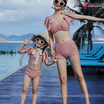Bikini me con M149