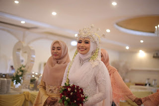 inspirasi pernikahan, pernikahan impian, merayakan satu tahun pernikahan, tips menjalani pernikahan, siger sunda, pernikahan adat sunda, pernikahan muslimah