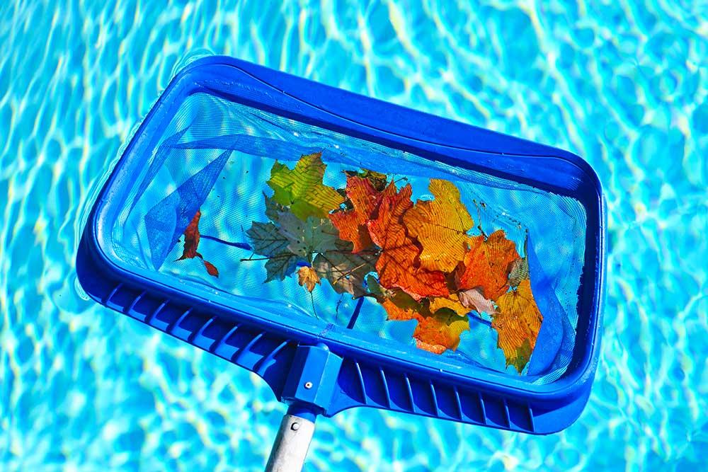 cosa fare per un corretto invernaggio della piscina e quali prodotti sono necessari.