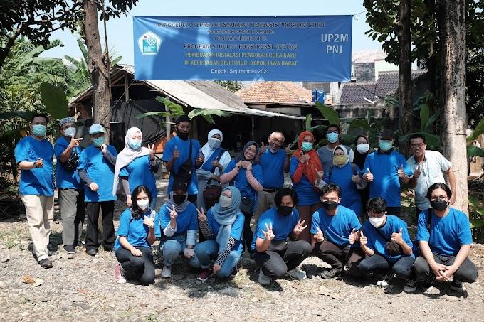 Peduli Lingkungan, Tim Pengmas PNJ Bangun Instalasi Pengolah Cuka Kayu