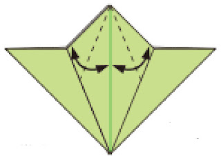 Bước 6: Gấp tạo nếp gấp tại vị trí nét đứt
