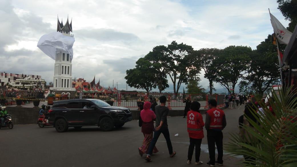 Hitungan Jam Malam Pergantian Tahun, Pemerintah Kota Bukittinggi Menutup Akses Jalan Menuju Jam Gadang