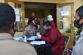 Polresta Cirebon Laksanakan Tes Swab Mandiri untuk Personelnya