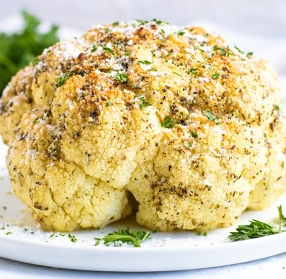 GARLIC & HERB WHOLE ROASTED CAULIFLOWER #vegetarian #vegan