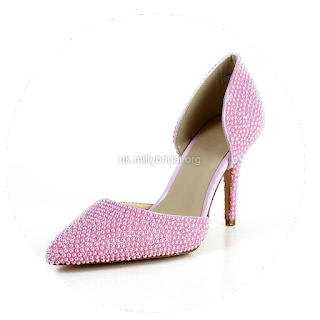http://www.dressfashion.co.uk/product/women-s-pink-patent-leather-pumps-with-imitation-pearl-ukm03030591-13464.html?%20Utm_source%20=%20minipost%20&%20utm_medium%20=%201264%20&%20utm_campaign%20=%20blog