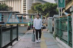 3 Alasan Saya Jalan Kaki dan Naik Transportasi Umum