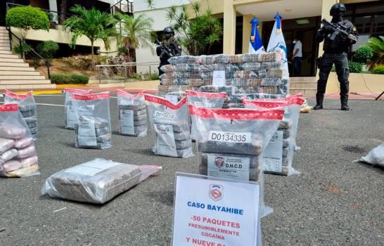 Decomisan 450 paquetes de droga en Puerto Caucedo y otros 50 en costas de Bayahíbe