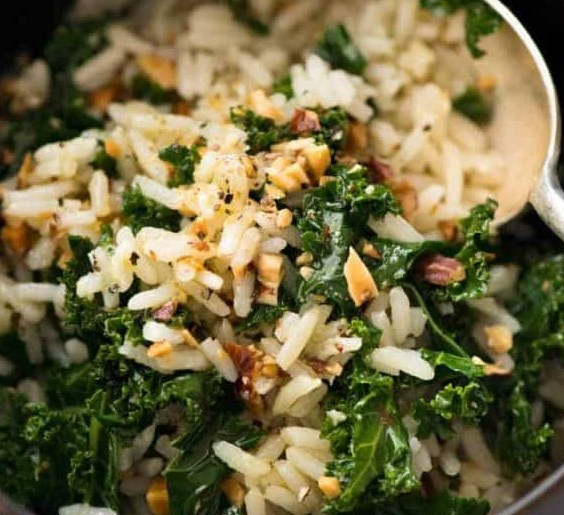 Garlic Butter Rice with Kale #vegetarian #glutenfree