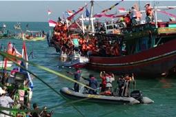 Sekitar 170 Kapal Ikut Melarung Kepala Kerbau Pada Acara Pesta Lomban Kab.Jepara 2019