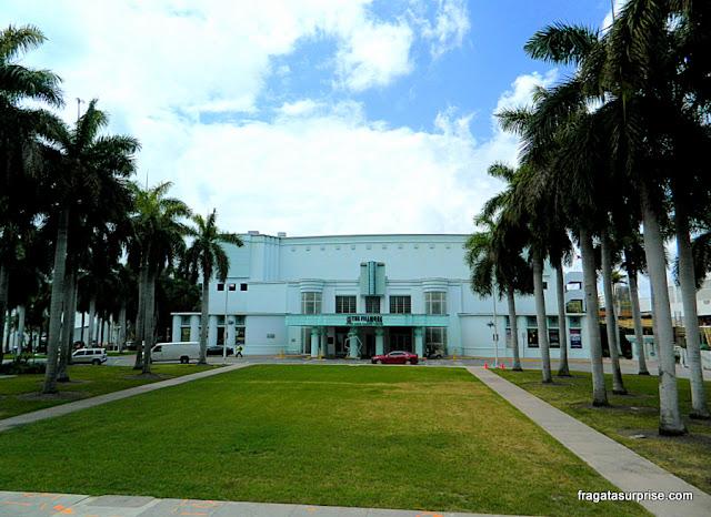 Teatro Jackie Gleason, hoje Filmore Theater, em estilo art déco, em Miami Beach