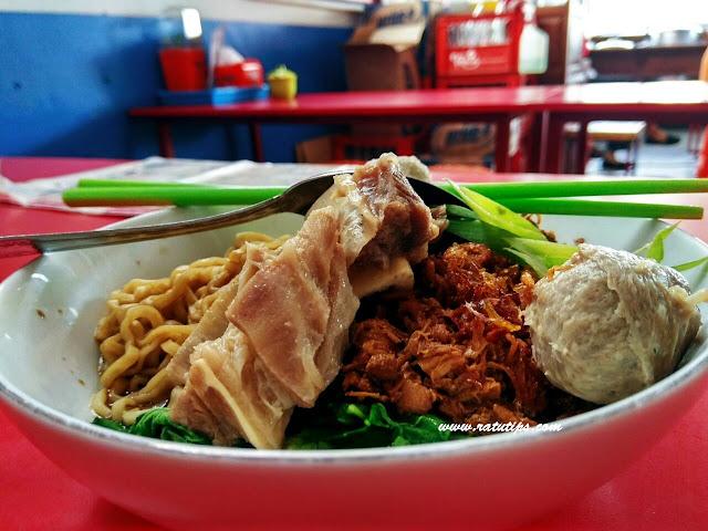 Review Sensasi Makan Bakso Sapi Asli di Bakso Tengkleng Mas Bambang, Enaknya Bikin Nagih!