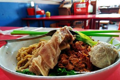 Sensasi Makan Bakso Sapi Asli di Bakso Tengkleng Mas Bambang, Enaknya Bikin Nagih!