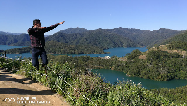 FaceCebu Author with jumpshot pose in Thousand Island Lake observatory