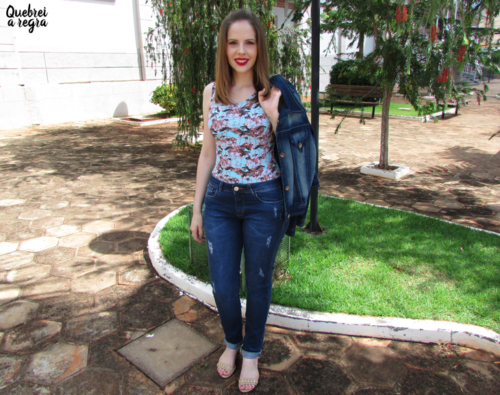 Look do dia: Body estampado com calça jeans