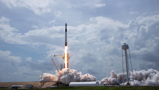 A SpaceX Falcon 9 Rocket