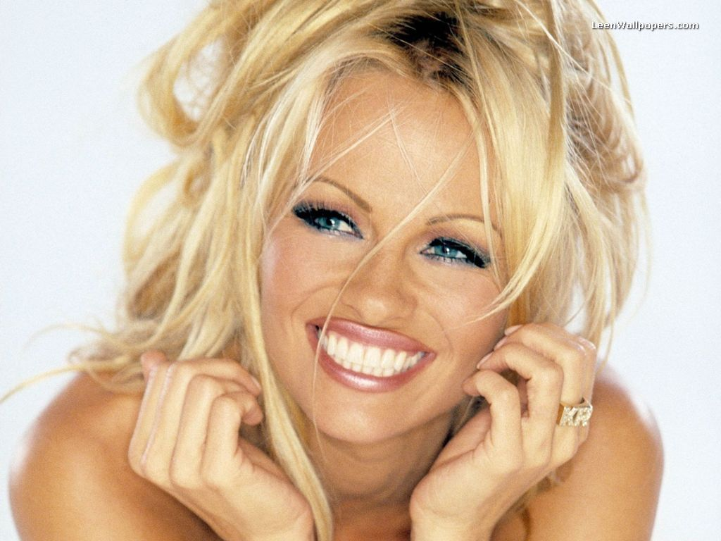 wallpaper india pamela anderson sexy wallpapers. Black Bedroom Furniture Sets. Home Design Ideas