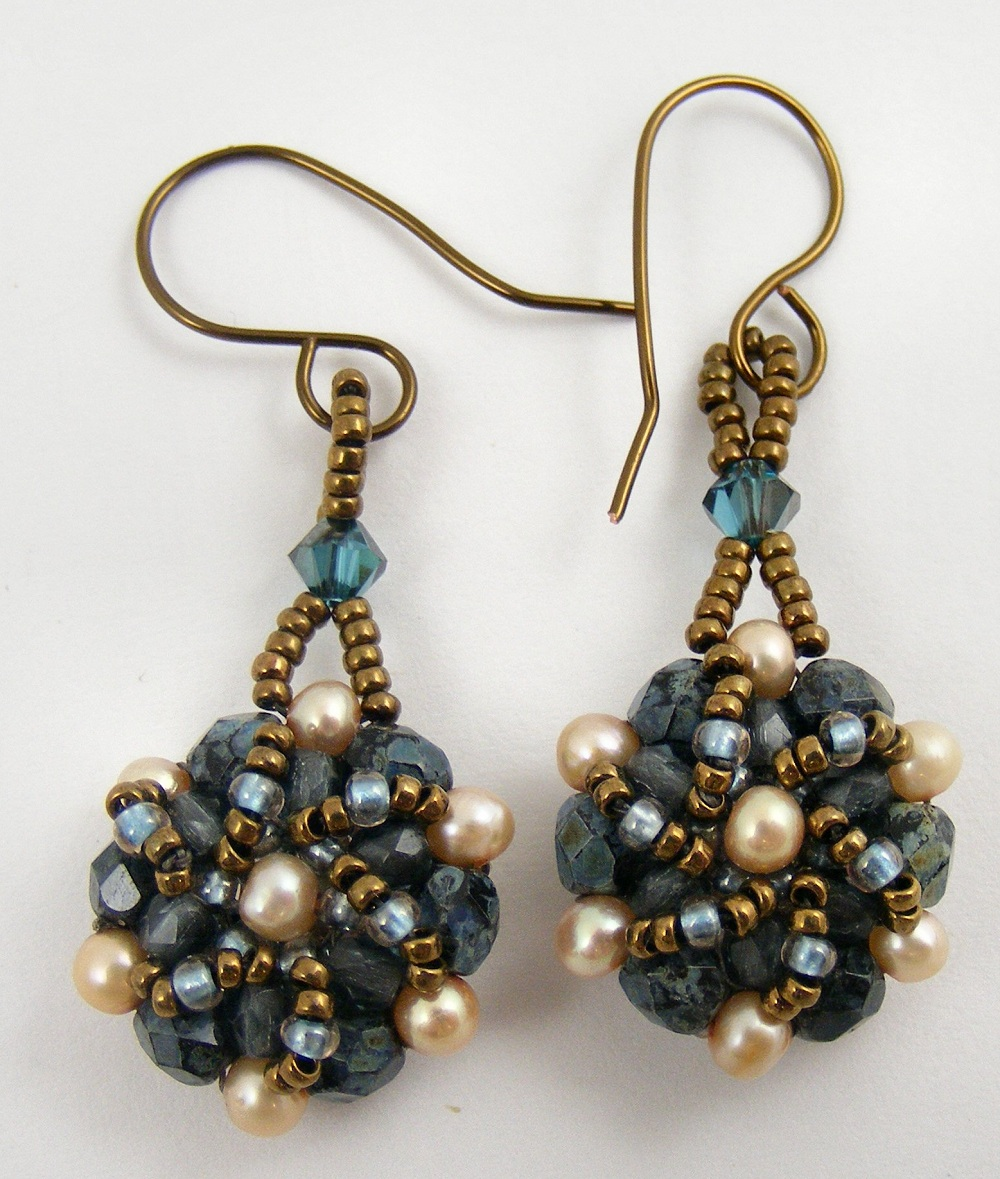 Sweet Freedom Designs: Beaded Bead Necklace and Earrings