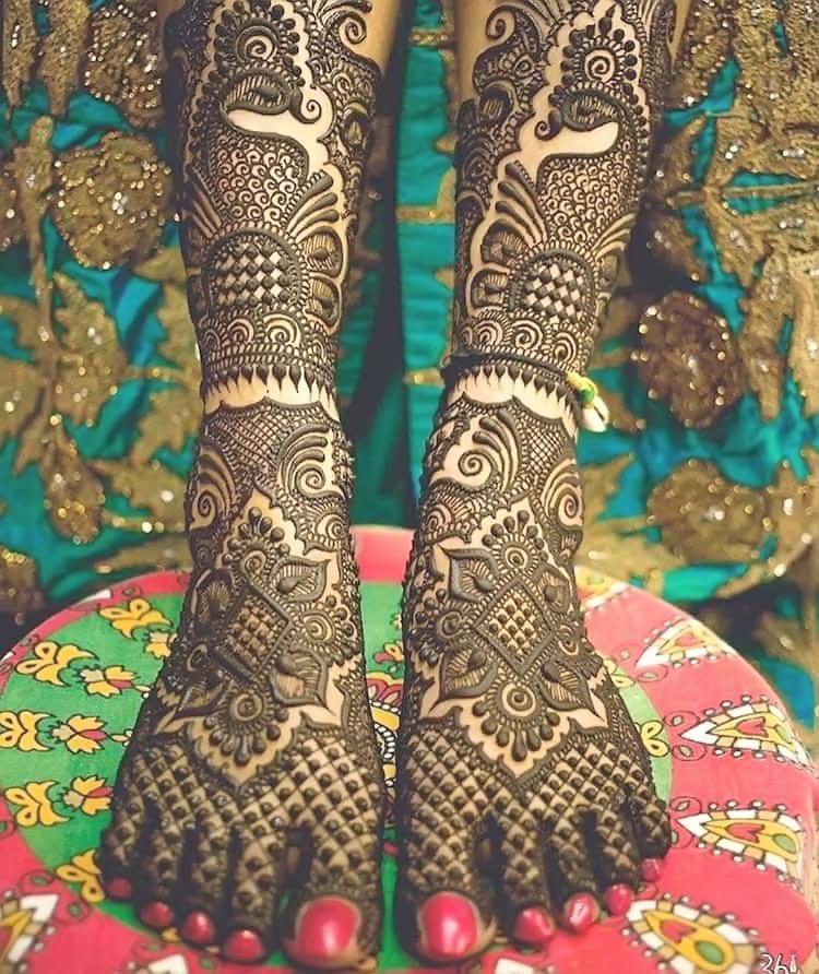 Bridal-Arabic-Mehndi-Design-for-Foot